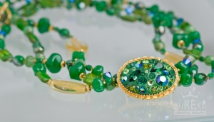 Trendy Emerald necklace with DeCoRe finding.