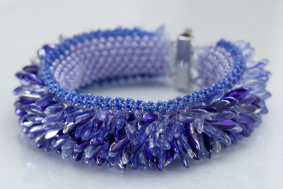 Peyote stitch base with Dagger fringe for a fantastic bracelet full of movement!
