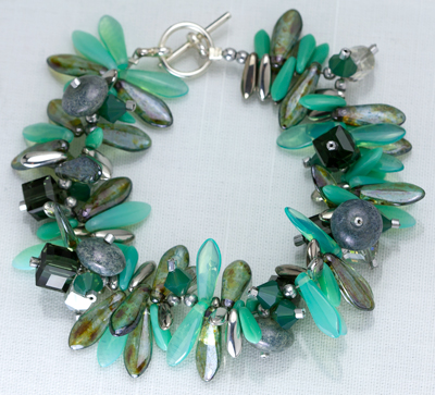 Combine Czech Daggers, Swarovski Cubes and Doughnut beads in trendy colors for Spring bling!