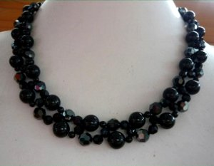 BlackSwanNecklace--1--