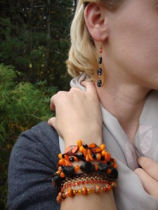 Halowen bracelets black orange