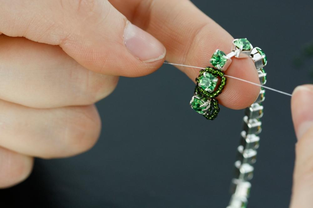 diy rhinestone chain bracelet beading st patricks clover swarovski