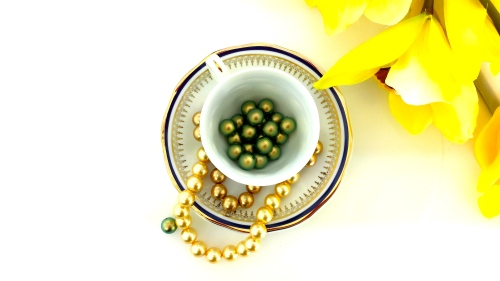 Swarovski crystal pearls iridescent green spring beads diy