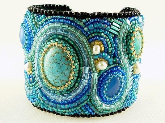 bead-embroidered-cuff-bracelet-made-to-order-detai--UDUzNC01NjU5My4zMTUwODc=